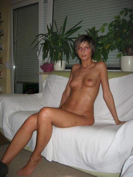 Cougar sexy vraiment très classe recherche un mec impudique