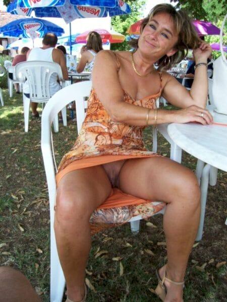 Femme libertine réellement mignonne recherche un gars endurant